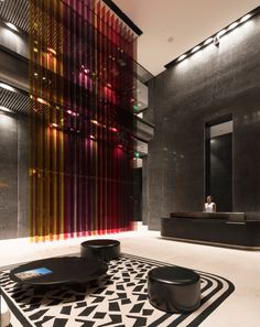Foster + Partners made the most of the Miami Beach in designing the interior…