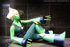 I could care less for Peridot, but this is an awesome cosplay!