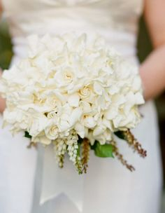 16 Pretty Wedding Bouquet Ideas. To see more: http://www.modwedding.com/2014/01/17/16-pretty-wedding-bouquet-ideas/ #wedding #weddings #bouquets