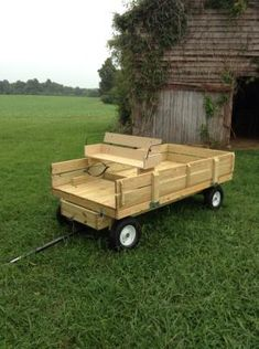 Versatile Farm-Tuff utility trailer - make any type of trailer easily! Utility Trailer Camper, Trailer Storage, Camper Trailers, Trailer 2, Pallet Projects, Woodworking Projects, Fun Projects, Small Farm, Steel Frame