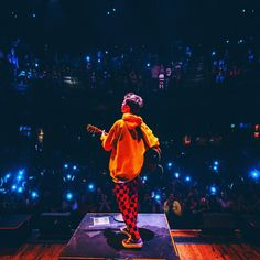 """346.3 mil Me gusta, 8,639 comentarios - Jacob Sartorius (@jacobsartorius) en Instagram: """"at 15 i'm humbled to say i get to travel the world playing sold out shows to some of the coolest…"""""""