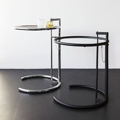 Adjustable Table E 1027 van Eileen Gray - Classicon - Master Meubel, design meubelen en interieur inrichting