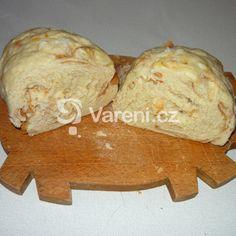 Domácí houskový knedlík pro začátečníky recept - Vareni.cz Dairy, Bread, Cheese, Food, Brot, Essen, Baking, Meals, Breads