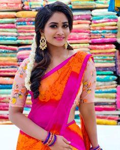 Beautiful Saree, Beautiful Indian Actress, Beautiful Actresses, Beautiful Women, Designer Sarees Collection, Latest Designer Sarees, Half Saree Designs, Blouse Designs, Set Saree