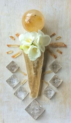 Golden Healer, Golden Selenite, Quartz, Sunset Golden Selenite and Fresia °Woodlights Woudlicht