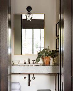 "Molly Britt Design on Instagram: ""Where I powder my nose between zoom calls. ⠀⠀⠀⠀⠀⠀⠀⠀⠀ 📸 by @karynmillet ⠀⠀⠀⠀⠀⠀⠀⠀⠀ ⠀⠀⠀⠀⠀⠀⠀⠀⠀ ⠀⠀⠀⠀⠀⠀⠀⠀⠀ ⠀⠀⠀⠀⠀⠀⠀⠀⠀ ⠀⠀⠀⠀⠀⠀⠀⠀⠀ #bathroomdesign…"" Bathroom Wall Decor, Bathroom Interior Design, Modern Bathroom, Bathroom Ideas, Colorful Bathroom, Neutral Bathroom, Transitional Bathroom, Bath Ideas, Bathroom Styling"