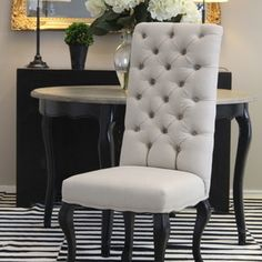 Stunning tufted dining chairs.