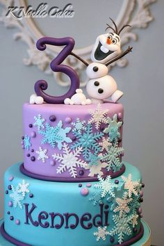 Excellent Photo of Frozen Themed Birthday Cake . Frozen Themed Birthday Cake Le Gteau Reine Des Neiges 50 Ides Originales Archzinefr Informations About Excellent Photo of Fr Frozen Themed Birthday Cake, Frozen Theme Cake, Frozen Themed Birthday Party, Disney Frozen Birthday, Themed Cakes, Cake Birthday, Disney Frozen Cake, Frozen Fondant Cake, Frozen Theme Cupcakes