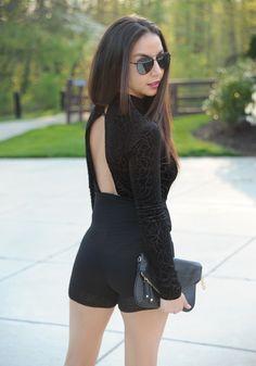 Velvet black romper... - Belu Barriga