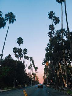 Los Angeles. La Revue de Kenza by Kenza Sadoun el Glaoui.