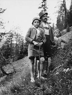Skolearbeider | Kivijärvi | Nasjonalbiblioteket Photo Essay, Norway, Couple Photos, People, Pictures, Photography, Style, Couple Shots, Photos