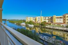 14041 Bellagio Way #314. GORGEOUS 3BR bay front condo overlooking Casey Key. 2,000 Sf, 2 cr garage, marina with docks and PET FRIENDLY! Priced to sell at $494,000!