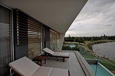 DLC House by Vanguarda Architects,
