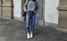 Cozy Milano, denim, oversize turtleneck, Adidas Superstar. Casual, minimal, effortless. H&M, Zara, Adidas. More on afnewsletter.com