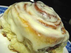 Good Eats 'n Sweet Treats: I love Cinnabon.Kitchenaid mixer and bead maching directions Kitchen Aid Recipes, Cooking Recipes, Kitchen Aide, Breakfast Recipes, Dessert Recipes, Bread Machine Recipes, Bread Recipes, Love Food, Sweet Recipes