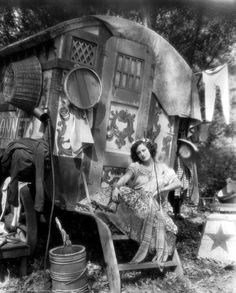 vintage roma caravan -- Joan Crawford in Dream of Love, 1928 Photos Vintage, Vintage Photographs, Old Photos, Gypsy Life, Gypsy Soul, Santa Sara, Hippie Vintage, Gypsy Living, Gypsy Women