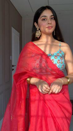 Dress Indian Style, Indian Fashion Dresses, Indian Designer Outfits, Cotton Saree Designs, Saree Blouse Designs, Lehenga, Sarees, Saree Trends, Stylish Dress Designs
