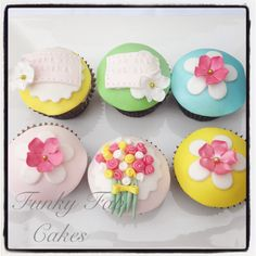 Floral 'Thank you' cupcakes