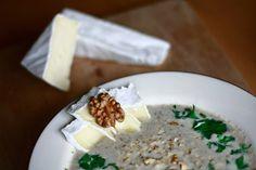 Zupa krem z pieczarek - Smakowity krem z pieczarek | Champiignion creme soup http://www.codogara.pl/8366/zupa-krem-z-pieczarek/