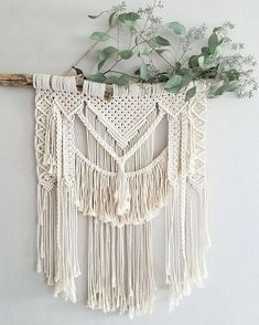 Boho Macramé-Wandbehang – Top Of The World Macrame Wall Hanging Patterns, Large Macrame Wall Hanging, Macrame Patterns, Bohemian Room, Bohemian Tapestry, Wall Tapestry, Macrame Projects, Diy Craft Projects, Crafts