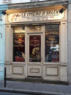 Paris boutiques 036 en 2019 外 観 french boutique, pa Boutiques, Vintage Store, French Boutique, Grand Paris, Café Bar, French Cafe, Paris Cafe, Cafe Shop, Lovely Shop