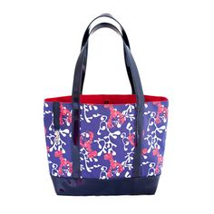 Lobsta Bake! Our 'Pinch Me' print is the perfect New England tote. Perfect for the beach or out on the town #madeinUSA