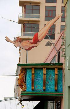 austin // texas // 6th street: esther's follies    http://esthersfollies.com/