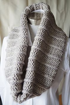 Ravelry: Project Gallery for Simple Ribbed Cowl pattern by Orange Flower Yarn
