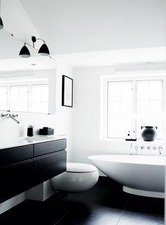 Interieur inspiratie uit Denemarken. Voor meer wooninspiratie en gratis woonbrochures kijk ook eens op http://www.woonbrochuresonline.nl/