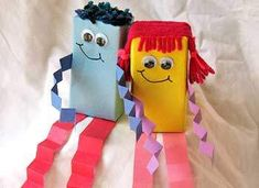 Previous pinner said:Juice Box Dolls -- For 5 years and under, wrap the juice boxes yourself ahead of time.    Could do an elf or Santa for Christmas classroom crafts