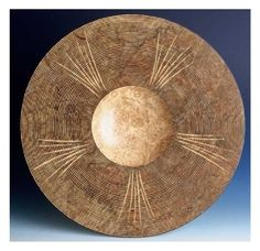 Carved Plate by Robert Rosand. #plocomiWood