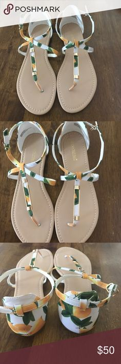 Lemon shoedazzle shoes Brand new ! Never has been worn ShoeDazzle Shoes Sandals