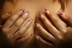 Nail sensuality in selection style and fashion. #NailArt @giftkone