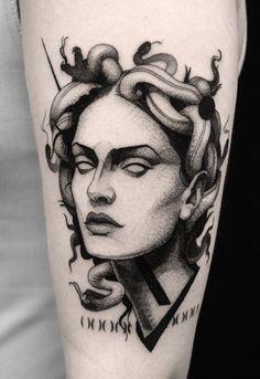 Medusa tattoo by Scott Move (@ scottmove) Tattoo Sketches, Tattoo Drawings, Body Art Tattoos, New Tattoos, Sleeve Tattoos, Small Tattoos, Tatoos, Medusa Tattoo Design, Tattoo Designs