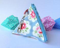Pyramid shaped coin purse £4.50
