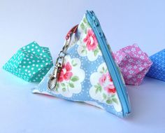 Pyramid shaped coin purse £4.50