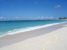 Playa Seven Mile Beach en las Islas Caimán