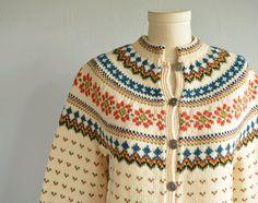 Vintage Nordic Wool Fair Isle Cardigan / Hand Knit par zestvintage