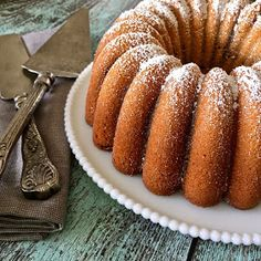 If you can't choose between vanilla, strawberry, or chocolate make a bundt that combines all three flavors! Marble Bundt Cake Recipe, Marble Cake Recipes, How To Make Chocolate, Doughnut, Delicious Desserts, Vanilla, Strawberry, Bundt Cakes, Zebra Print