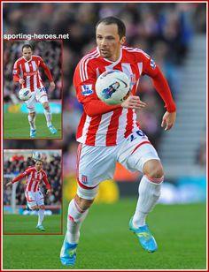 Matthew Etherington Stoke City Fc, Badges, Places To Visit, Soccer, Hero, Football, Baseball Cards, Sports, Heroes