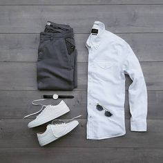 """84 aprecieri, 1 comentarii - Street Style Squares (@streetstylesquares) pe Instagram: """"My buddy @silverfox_collective is absolutely rocking it with this monochrome #streetstyle   Watcha…"""""""