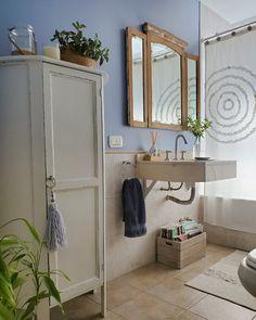 Baño Azul #antesydespués / Vero Palazzo - Home Deco Art Nouveau, Double Vanity, Oversized Mirror, Toilet, Palazzo, Bathroom, Bang Bang, Furniture, Home Decor