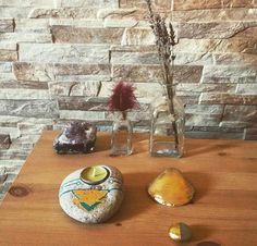 Candle holder, seashell and tiny stone for sell #art #etsyshop #etsy #goldleafimitation #goldleaf #gold #artofgold #metallicleaf #originalart #candleholder #seashell #tinystone