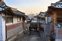 Explore the unique museums at Bukchon Hanok Maul (Bukchon Village). You can visit this place with Seoul Mate - who are a bunch of young college students that regularly host foreigners on weekends and educate them in a friendly manner about Korean Culture and history.