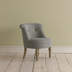 BOVARY CHAIR Handmade in Nottingham and covered in a lovely natural linen fabric which we buy from a Lancashire mill. What makes this chair even more special are the solid oak legs which undergo one hell of a rub to give them a gorgeous weathered finish. Mwah!