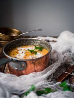 Intialainen garam masala-bataattikeitto (V) – Viimeistä murua myöten Meat Recipes, Indian Food Recipes, Vegetarian Recipes, Healthy Recipes, Sweet Potato Carrot Soup, Good Food, Yummy Food, Eat Lunch, Garam Masala