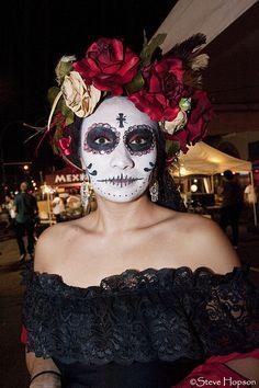 Dia de los muertos-makeup & lace on dress