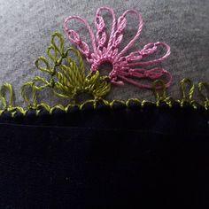Pembe tülbent oyası Viking Tattoo Design, Viking Tattoos, Needle Tatting, Needle Lace, Filet Crochet, Knit Crochet, Crochet Unique, Hairpin Lace, Sunflower Tattoo Design