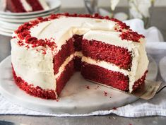 The best red velvet cake - Cafe Delites Red Velvet Cake Rezept, Bolo Red Velvet Receita, Best Red Velvet Cake, Red Velvet Cheesecake, Fluffy Cream Cheese Frosting, Cake With Cream Cheese, Food Cakes, Baking Cakes, Devils Food