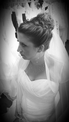 Félicitations Julie ! Robe Lovinyou Bayonne www.lovinyoubayonne.com Coiffure & Maquillage Marival Coiffure Bijoux Ode Fantaisies #lovinyoubayonne #marivalcoiffure #odefantaisies